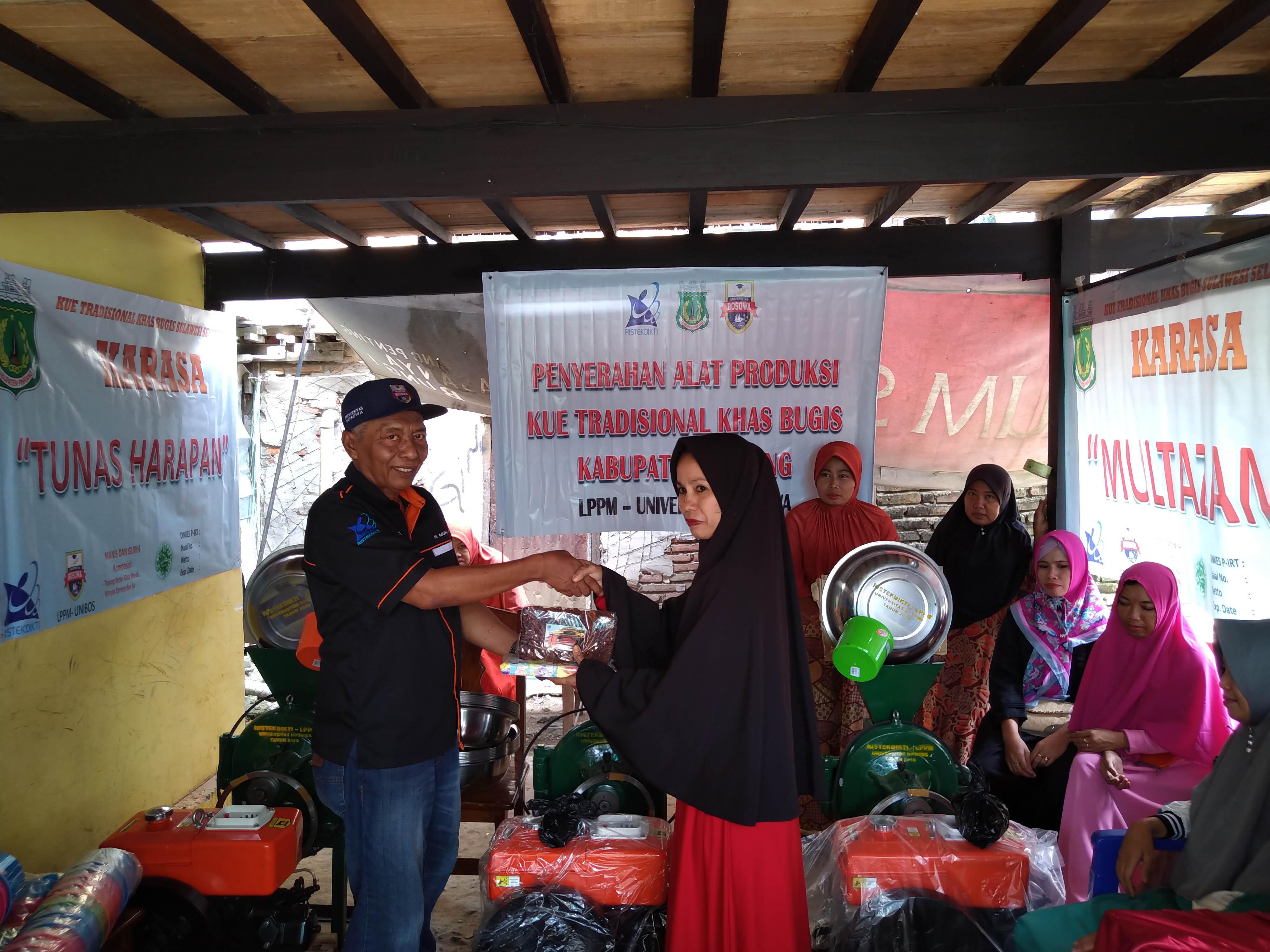Dosen Unibos Bantu Pengembangan Kue Bugis Masyarakat Cempa