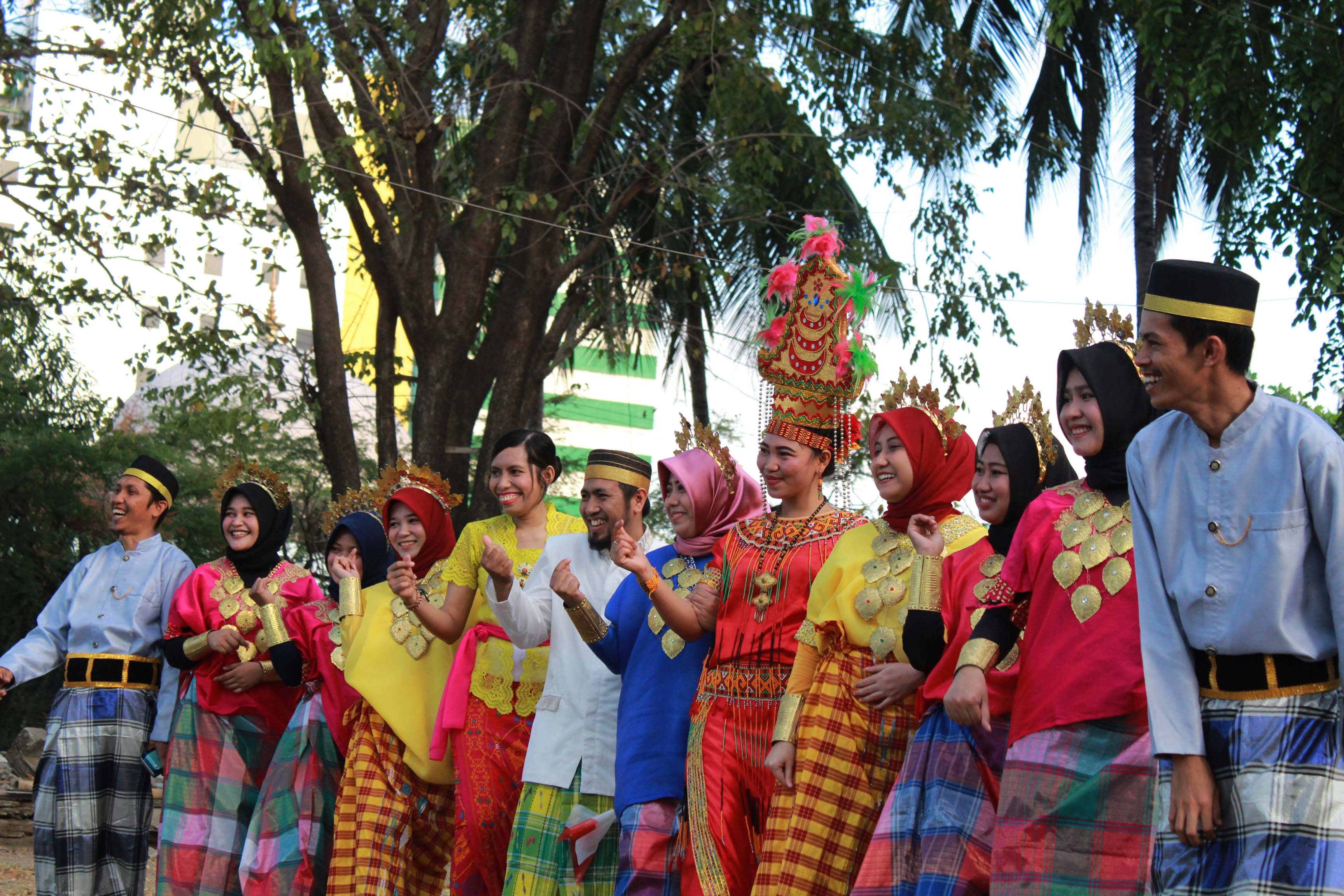 Pembukaan Dies Natalis Ke-33 Tahun, Unibos Ramaikan Dengan Parade Bhineka Tunggal Ika