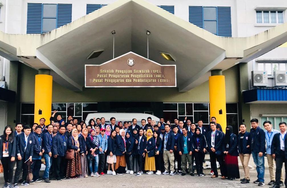 Mahasiswa Pascasarjana Unibos Study Tour Malaysia Singapura