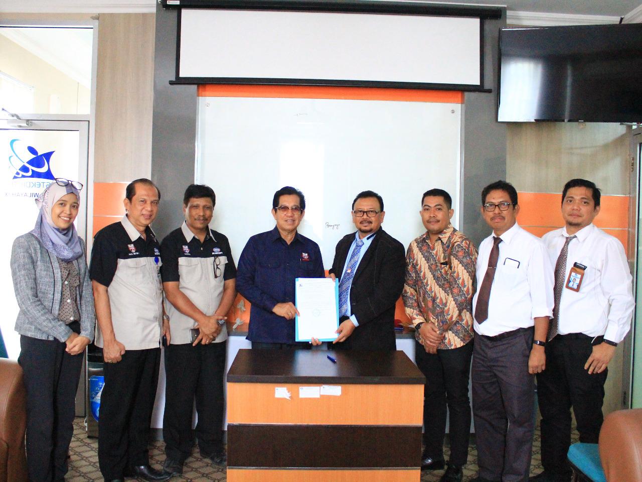 Unibos PT Swasta Pertama Terima SK Izin Pembukaan Prodi Bahasa Mandarin di Indonesia Timur